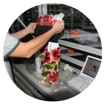 На выгоднокупи. рф товар тщательно проверяется на соответствие цвета и  размера, а так же на наличие явных дефектов